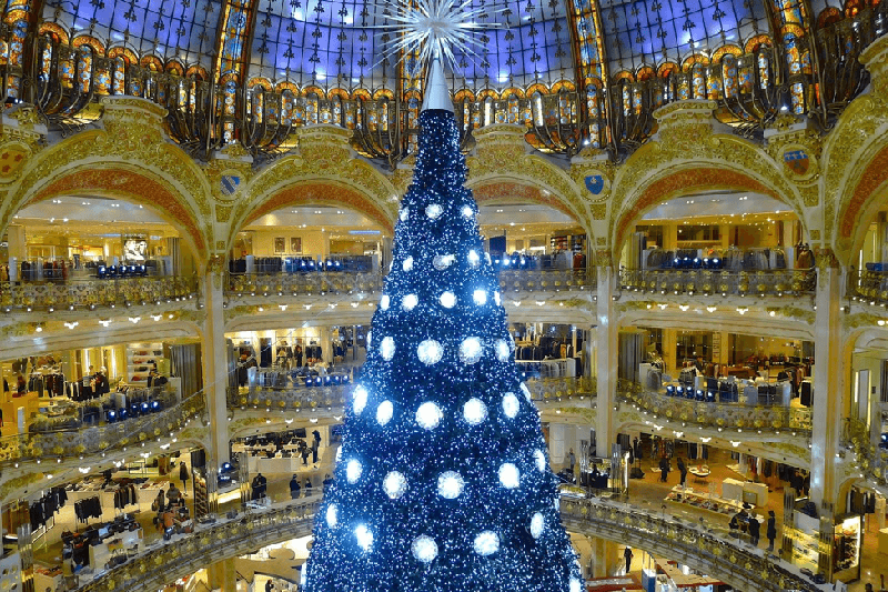 indoor-holiday-tree-paris-france-copy