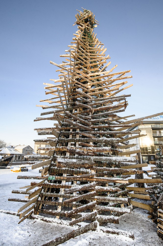 holiday-tree-estonia-copy