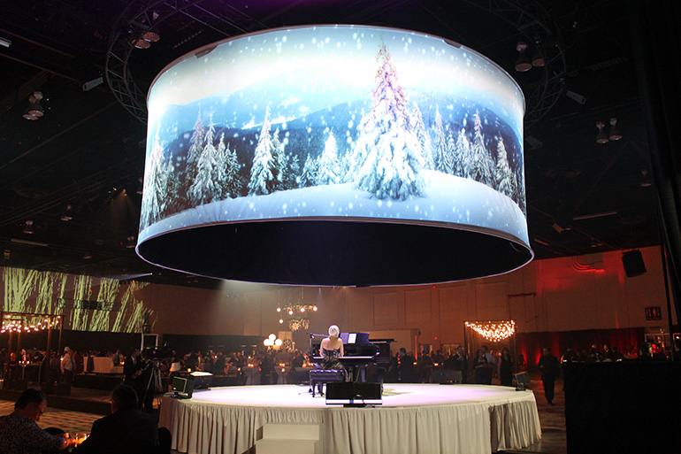 FMAV projected a holiday scene onto a circular projection surface to create a unique decor element.